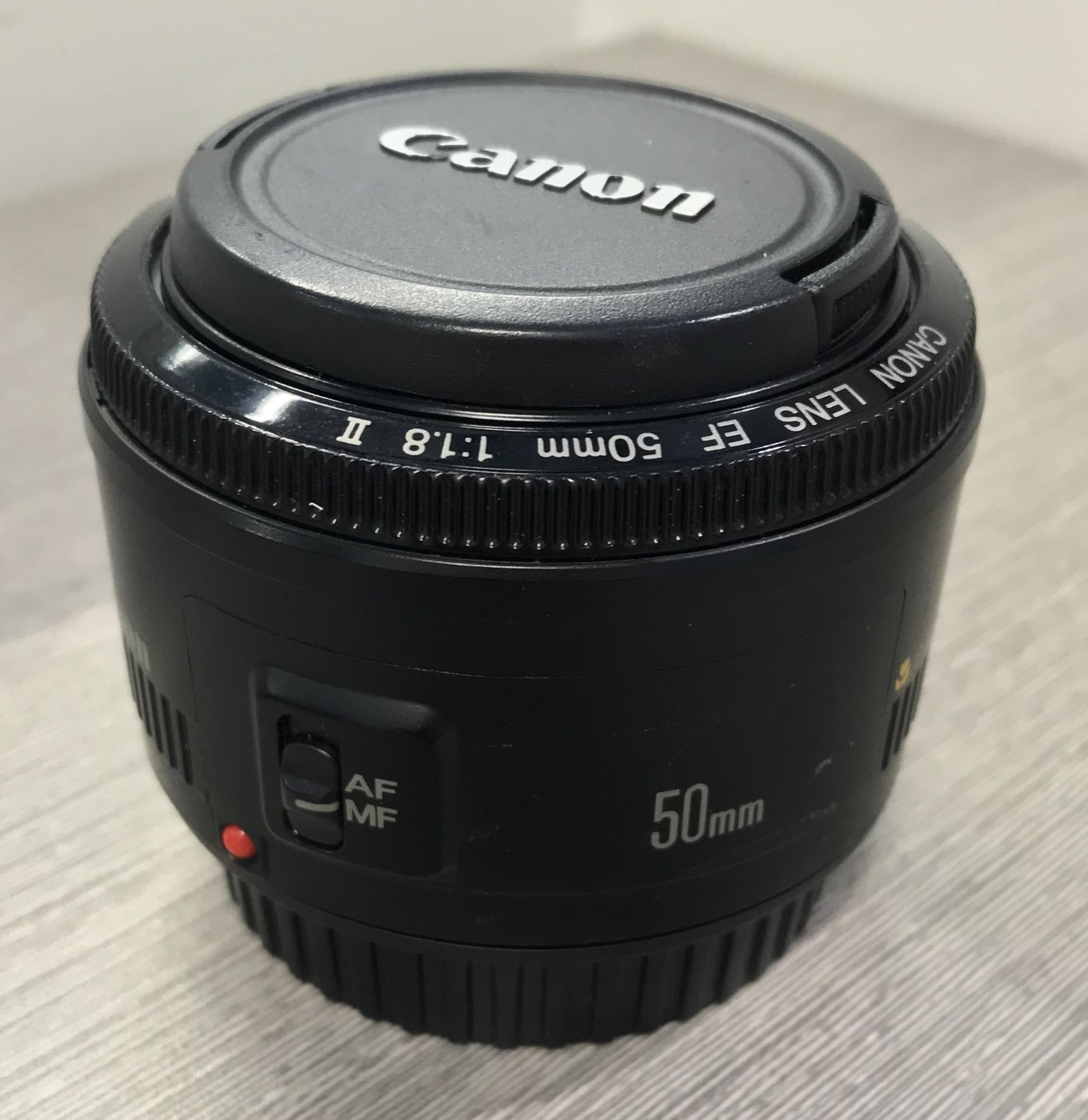 Canon 50mm camera lens picture