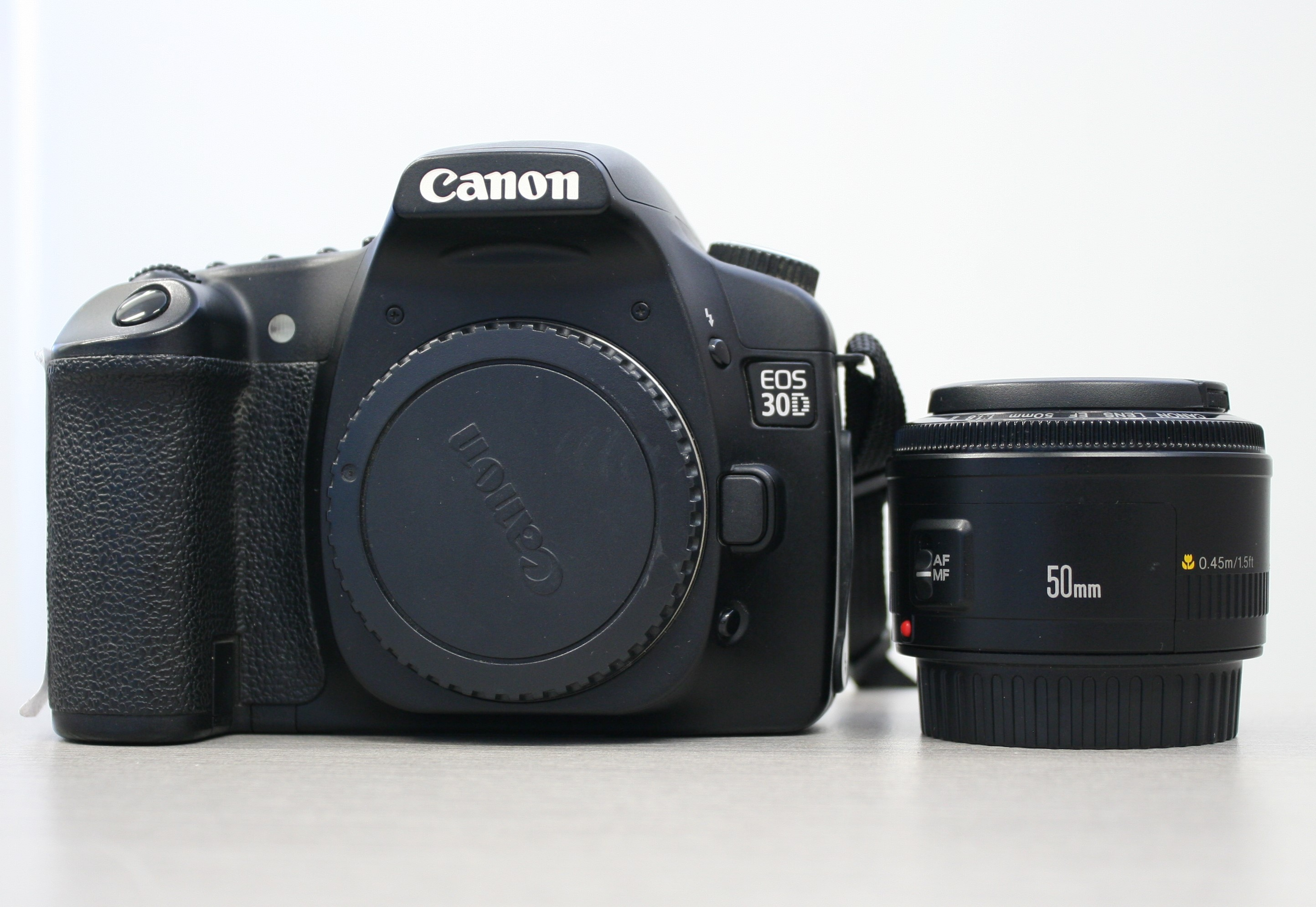 Canon EOS 30 D with 50mm lens